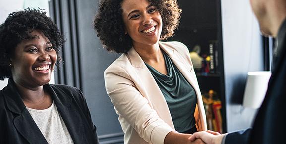 Motivar colaboradores com salários altos ajuda a gestão de equipes